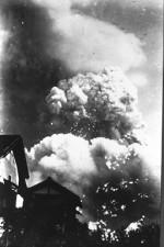 Røyksøyle i Hiroshima, to minutter etter eksplosjonen
